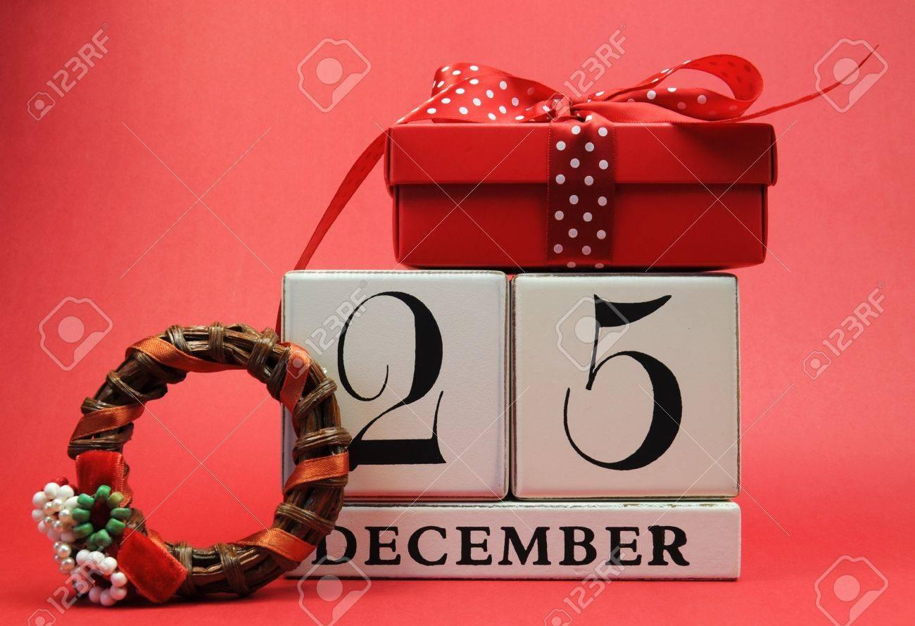 Sparen Sie Das Datum Für Weihnachten Mit Diesem Weißen Holzklötze ...