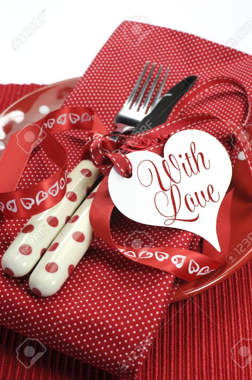 Vertical près de thème rouge cadre thème la saint valentin ...