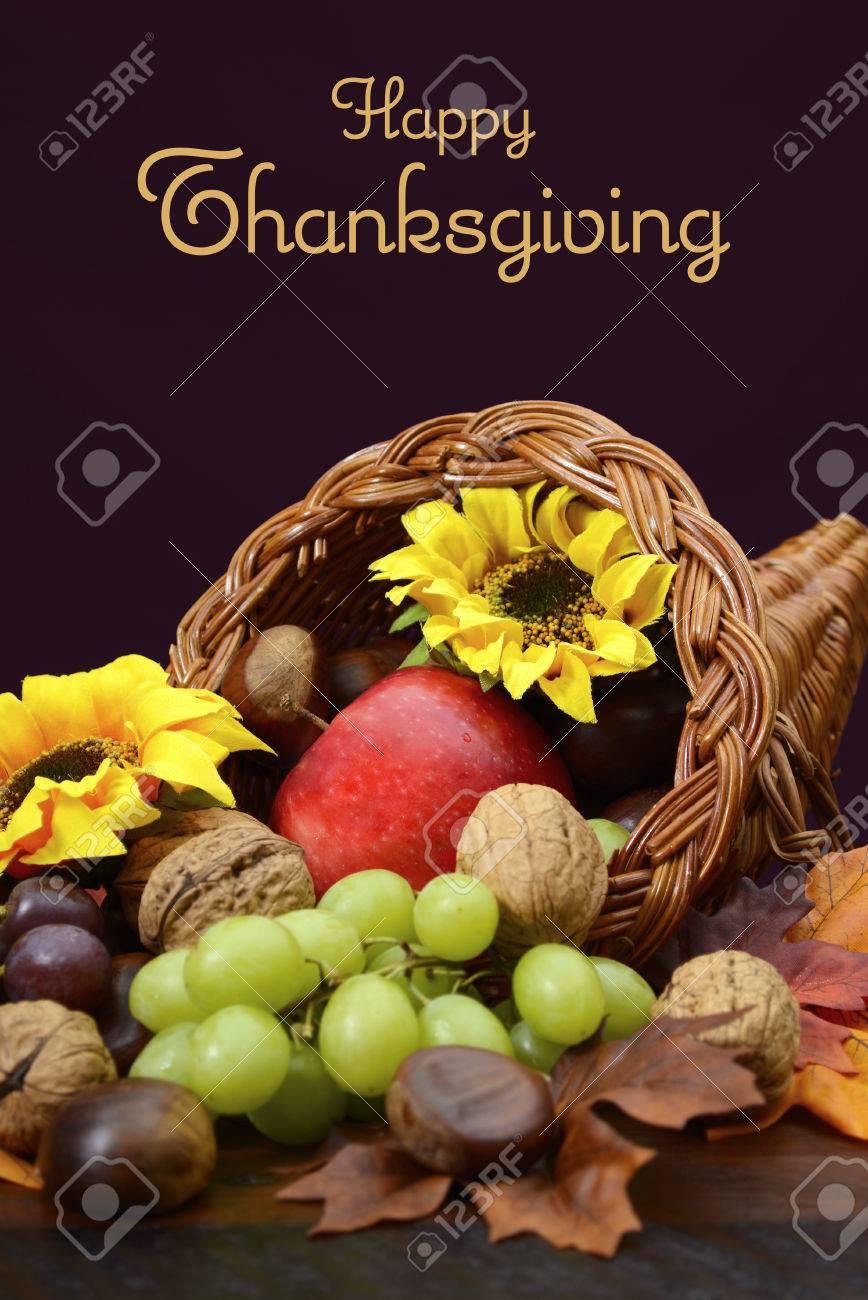 Thanksgiving Füllhorn, Korb Füllhorn, Mittelstück Mit Obst, Nüsse ...