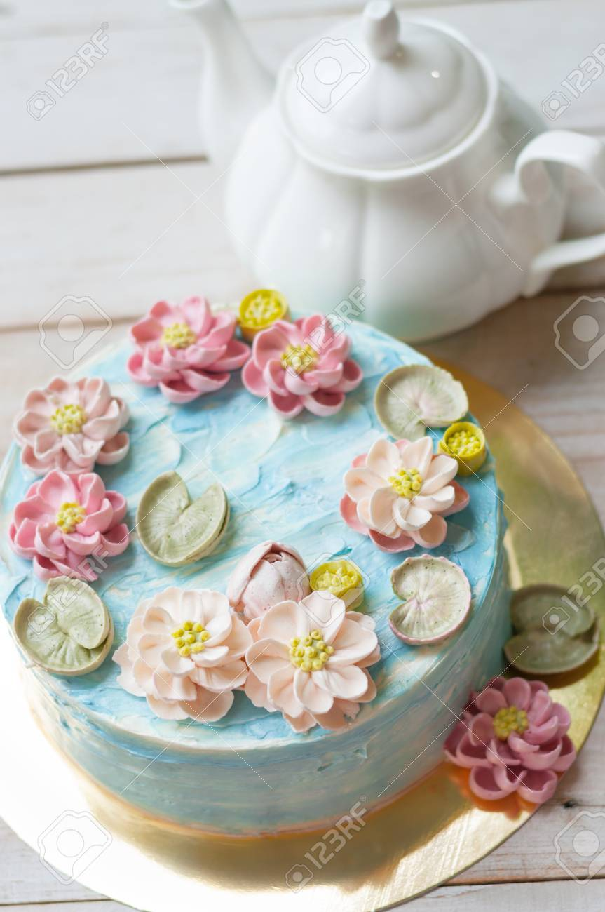 Buttercream Lotus Flower In Pond Cake Stock Photo Picture And Royalty Free Image Image 89904307