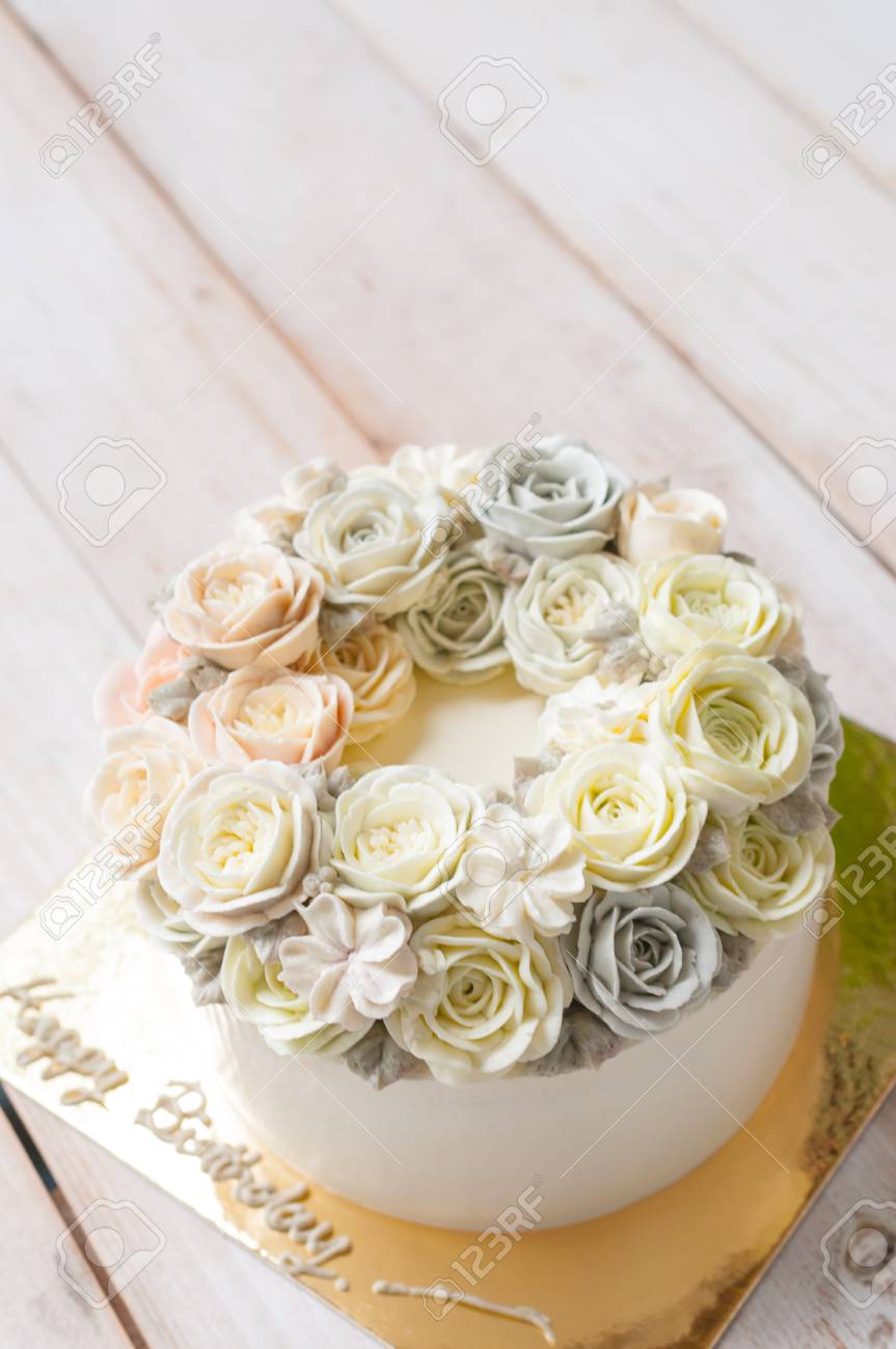 Happy Birthday Flower Cake Stock Photo, Picture And Royalty Free ...