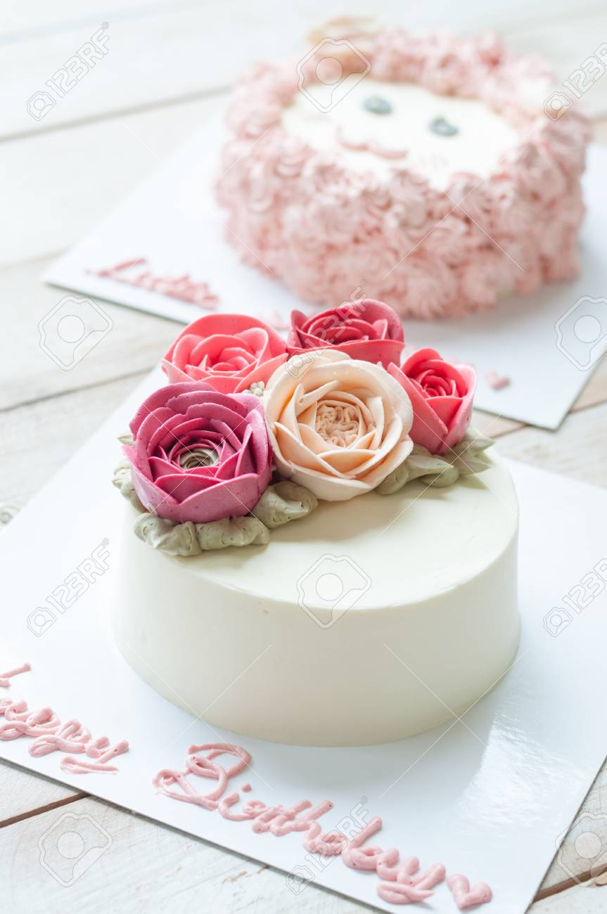 Strange Butter Cream Rose Flower Cake With Word Happy Birthday Stock Birthday Cards Printable Benkemecafe Filternl