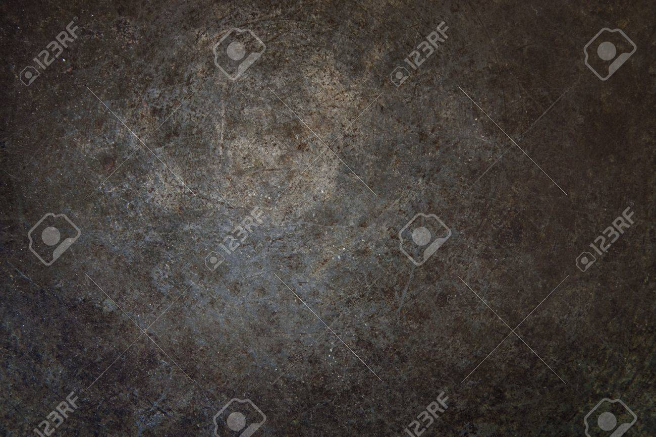 Grunge rust metal surface with vignette. - 7320866