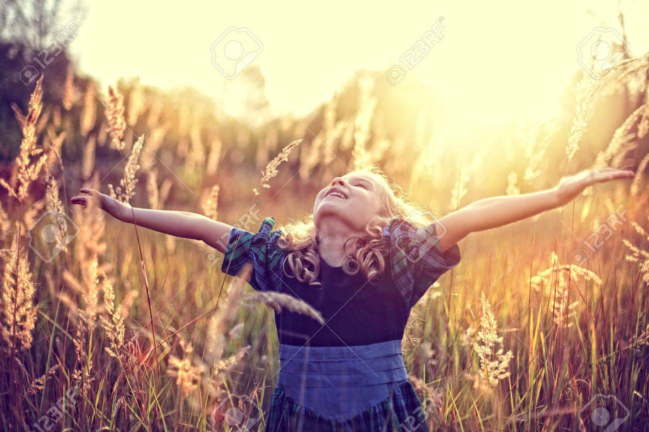 Freedom! carefree childhood - 32003613