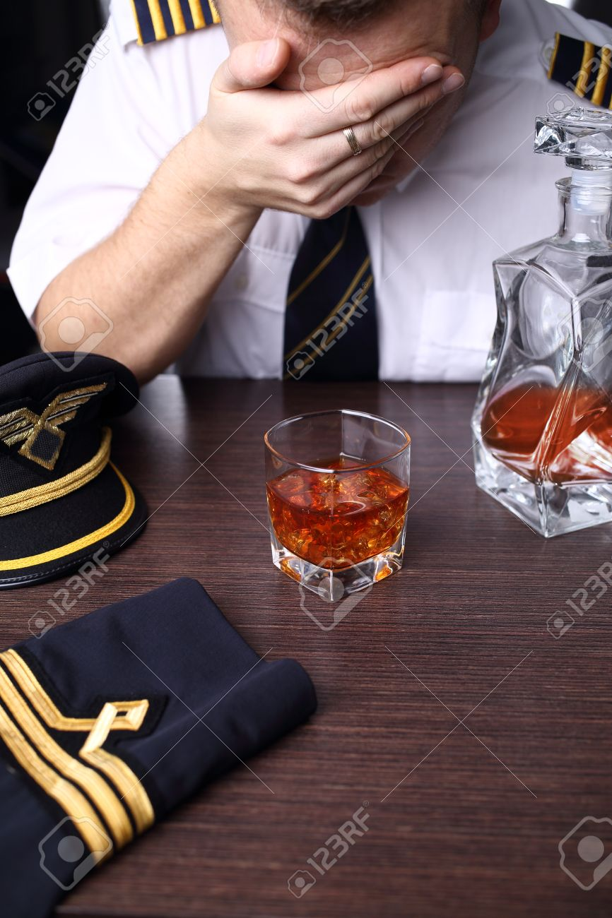 Drunk crying pilot with problems - 34280565