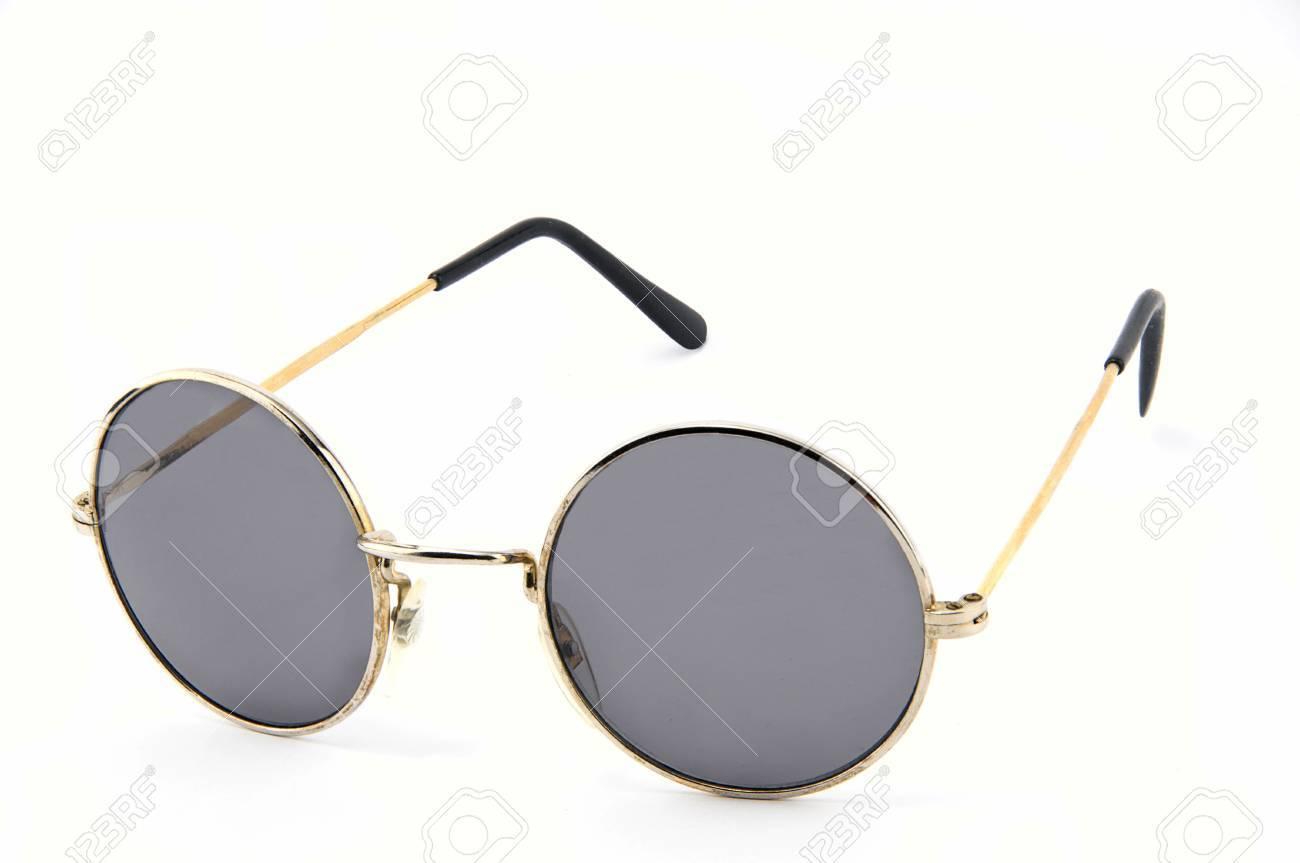 Gafas De Sol De La Lente Del Círculo En Aislados Gackground Blanco ...
