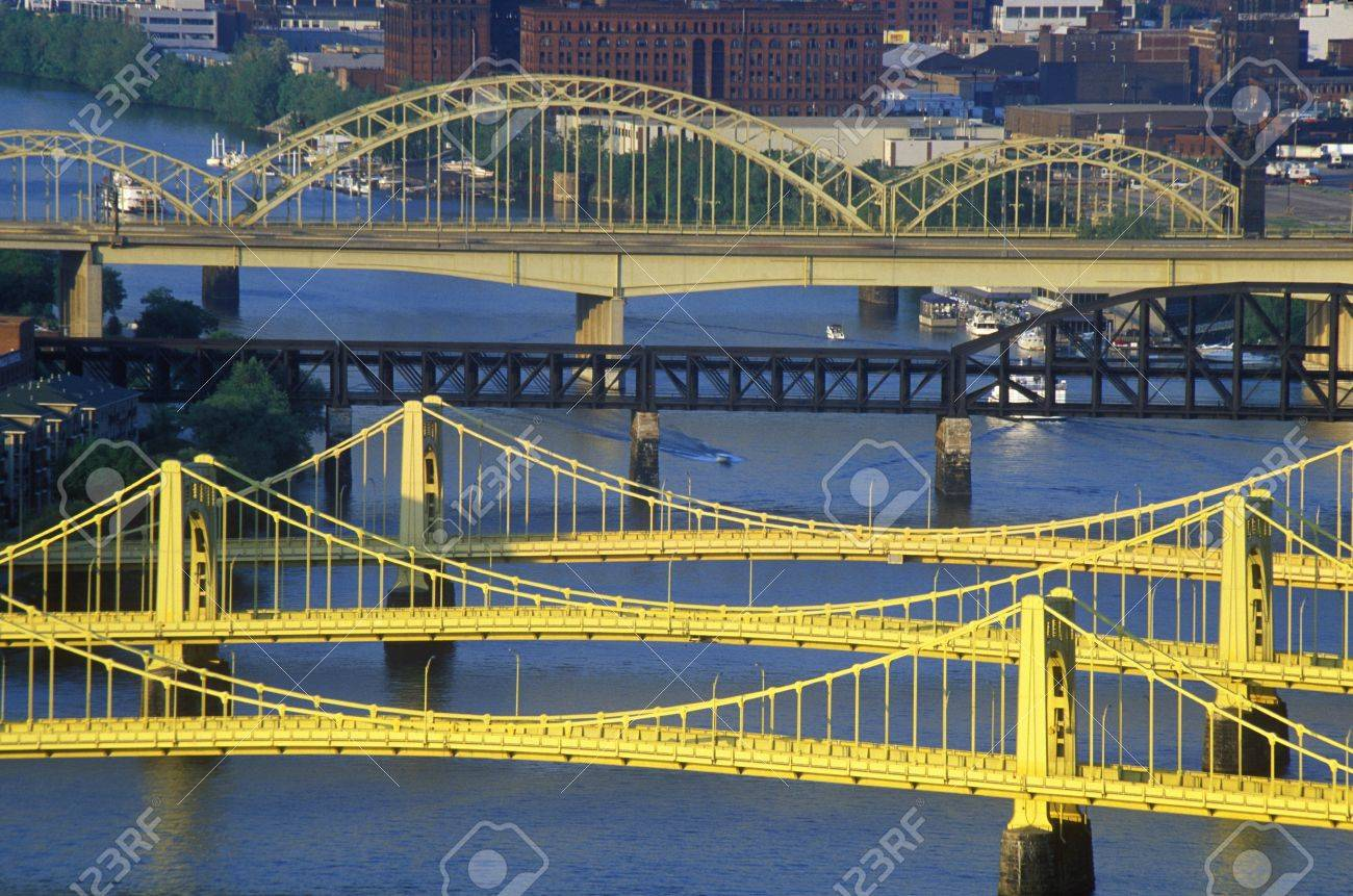 Bridges over the Allegheny River, Pittsburgh, PA Stock Photo - 20515567