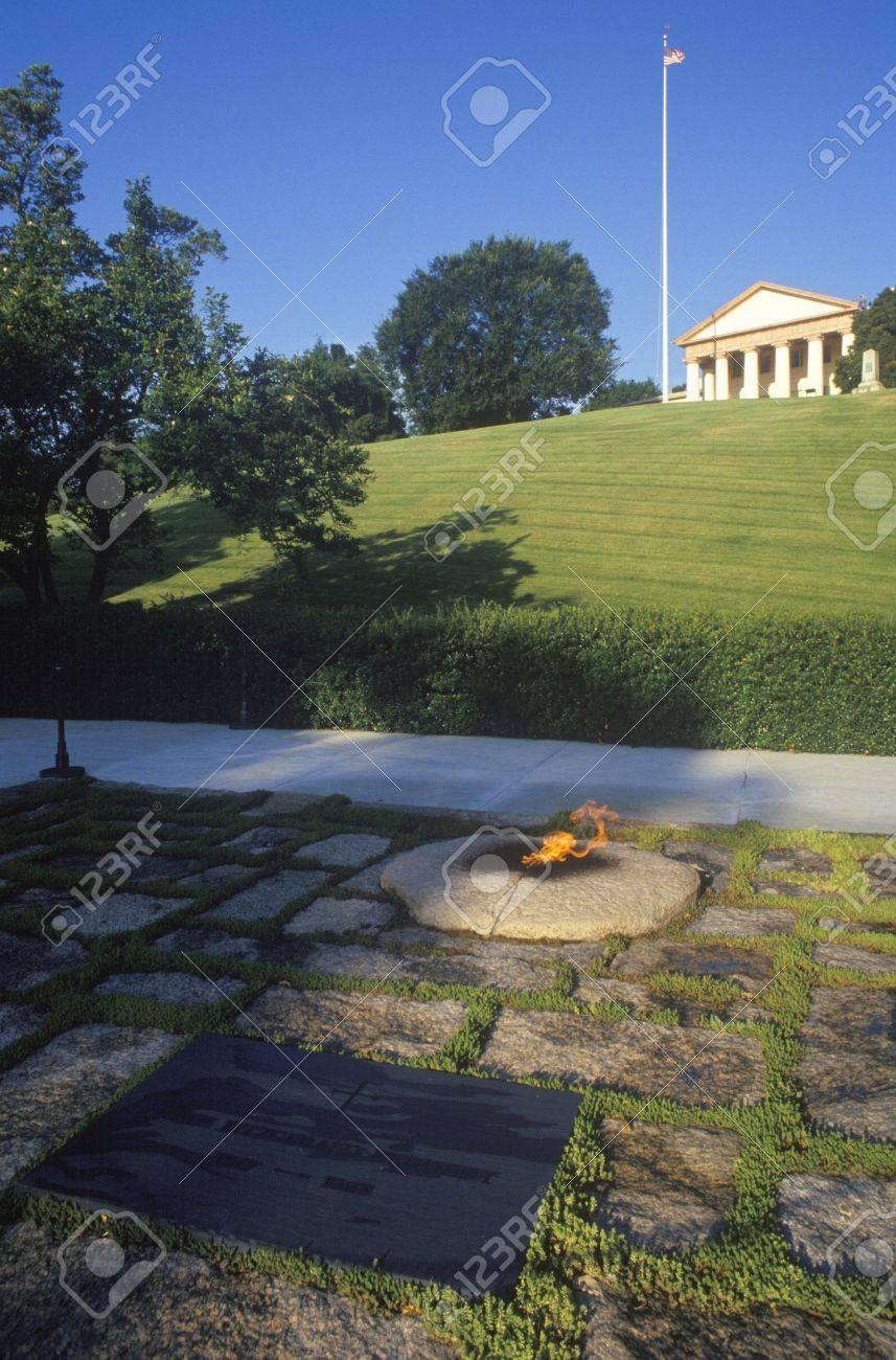 Ewige Flamme Am Grab Des Präsidenten John F Kennedy Friedhof Von