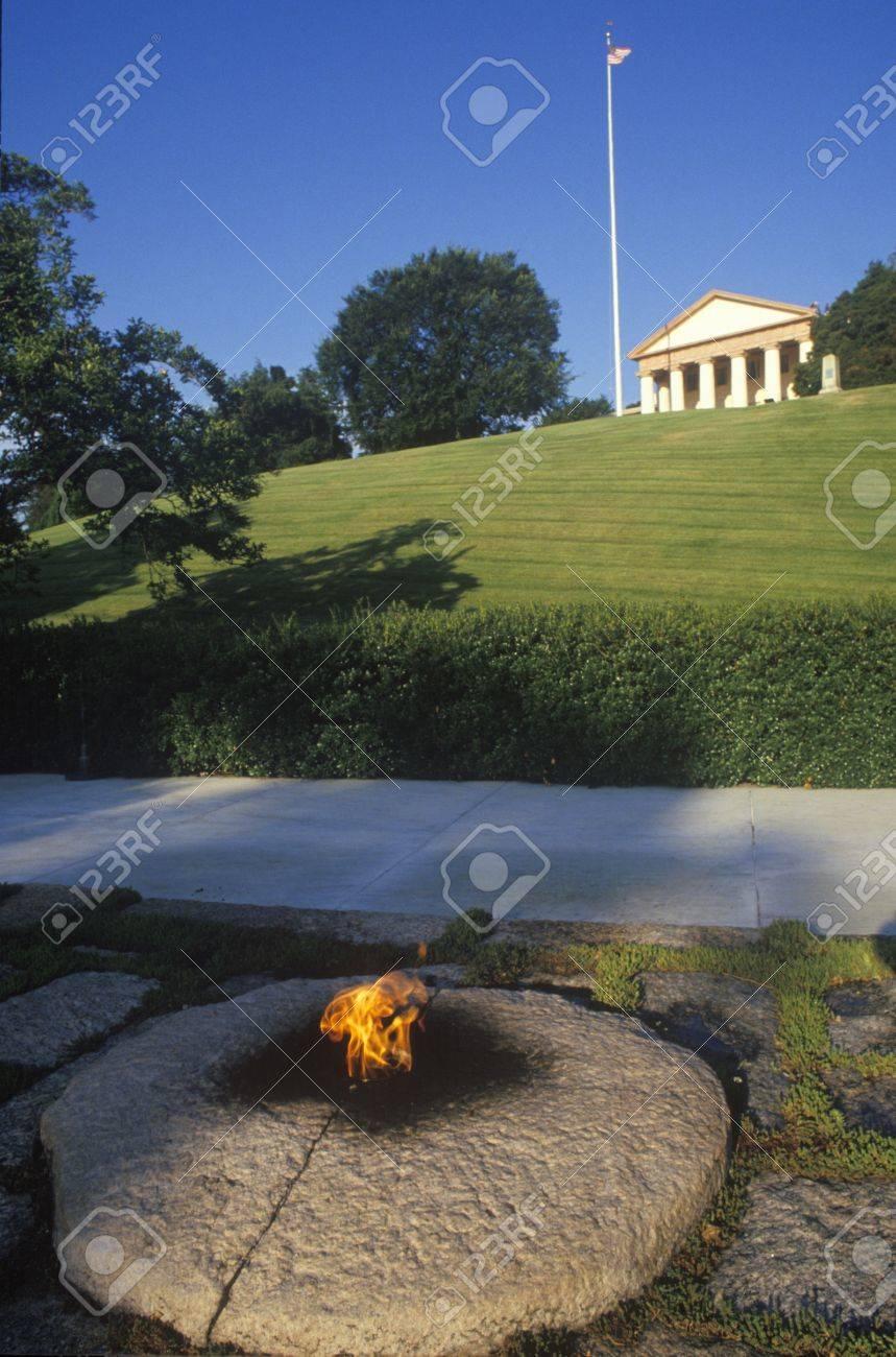 Eternal Flame Am Grab Von Präsident John F Kennedy Arlington