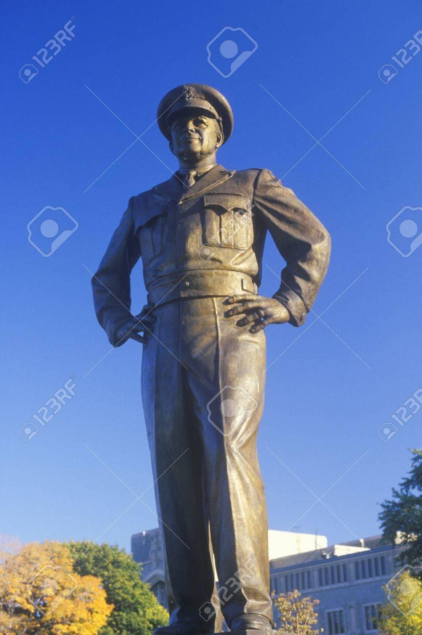 一般ドワイト D. アイゼンハワー、米国の軍事学院、ウエスト ポイント ...