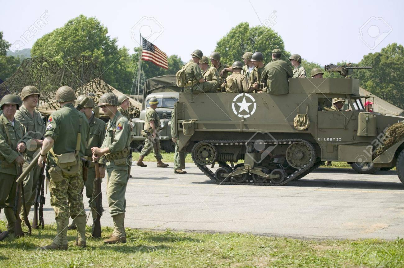 american soldiers at mid atlantic air museum world war ii weekend