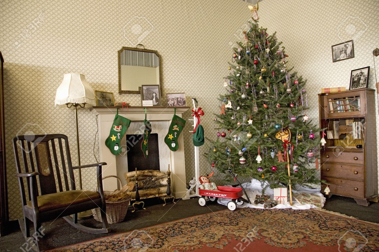 reenactment of world war ii home living room decorated with 1940s christmas tree and accessories at - 1940s Christmas Decorations