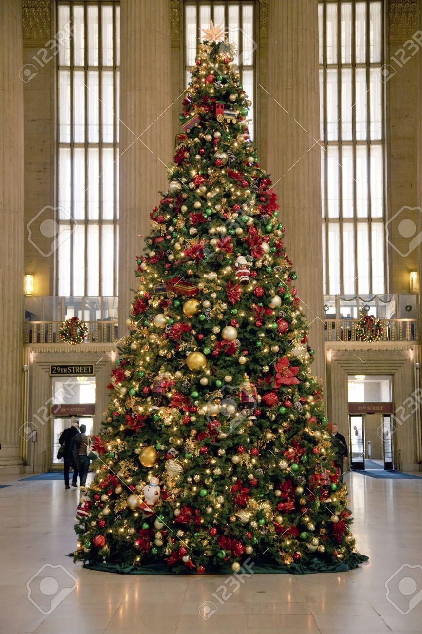 Christmas tree at 30th Street Train Station, Philadelphia, PA., USA Stock  Photo