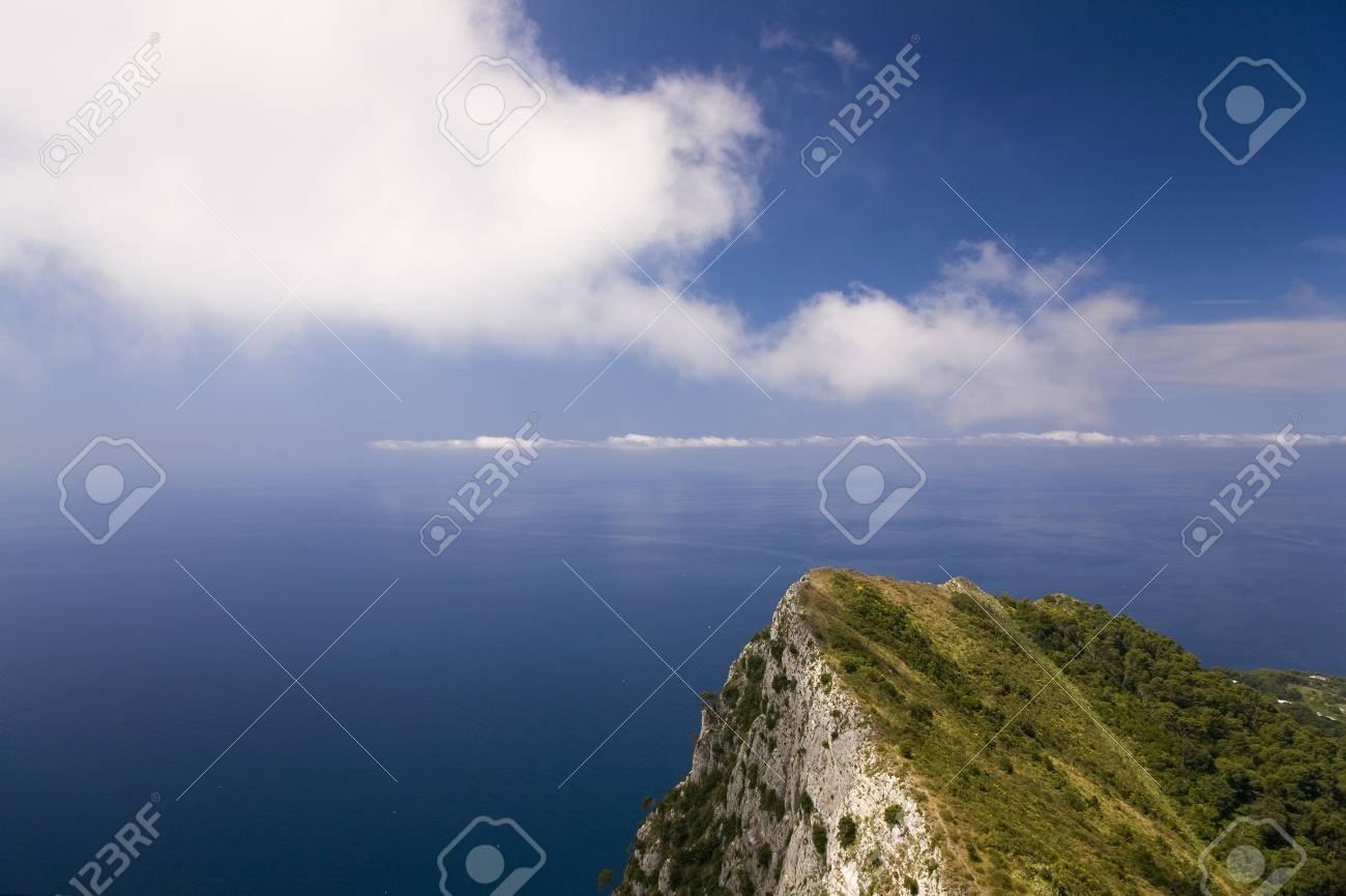 カプリ島、イタリアの島のカンパ...