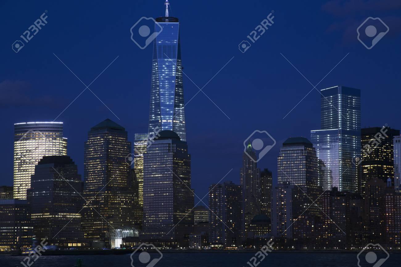 Ansicht Von New York City Skyline In Der Abenddammerung Mit One