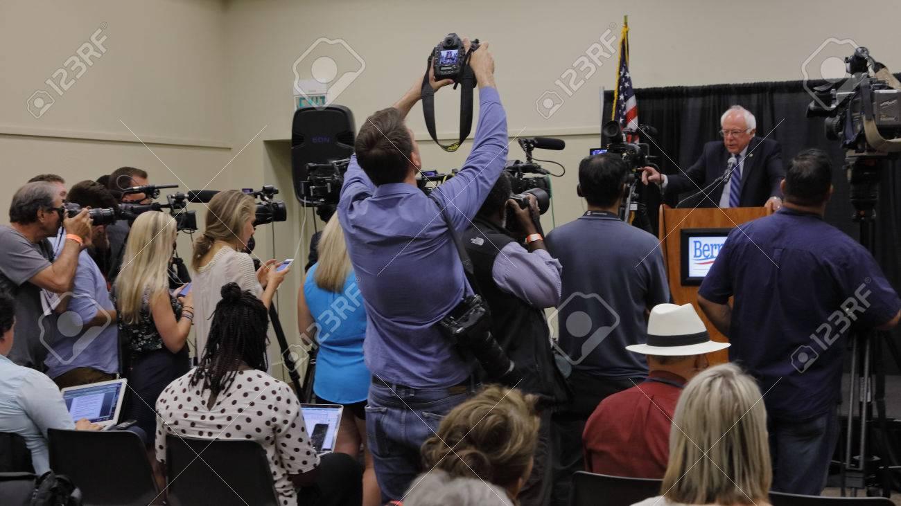 02 MODESTO, CA- Juni, 2016: Präsidentschaftskandidat, Bernie Sanders ...