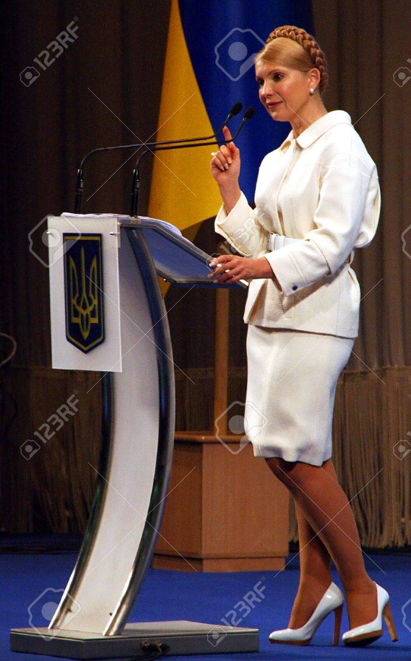 Тимошенко под юбкой 19 фотография
