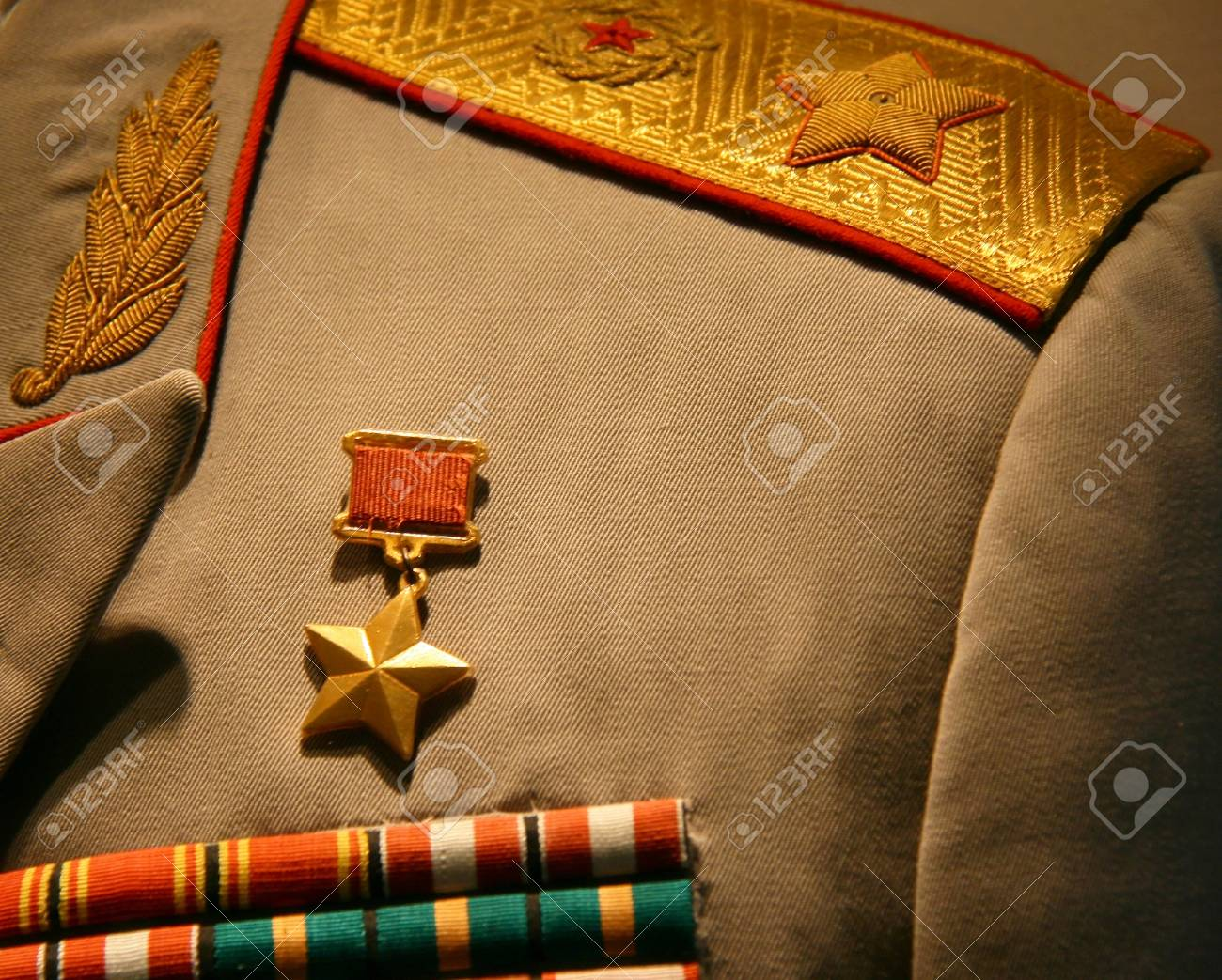 37367220-hero-of-the-soviet-union-gold-s