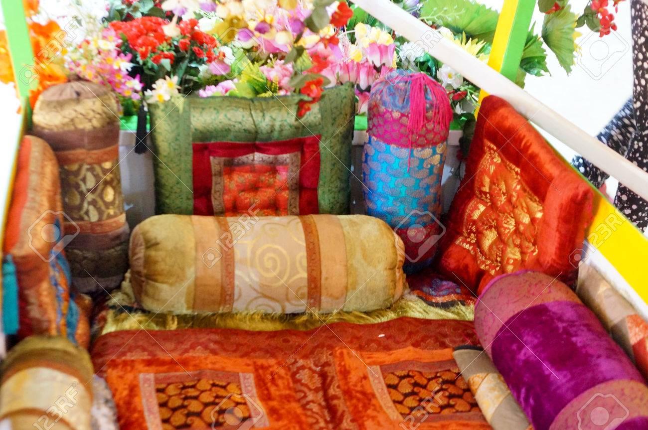 India Cojines De Asiento Baja Arabes Realizados En Telas De Colores - Cojines-arabes