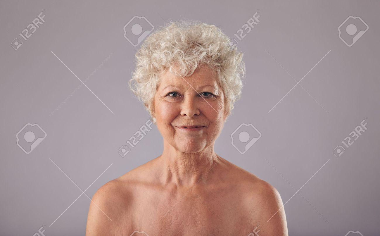 Alte frau nackt bilder