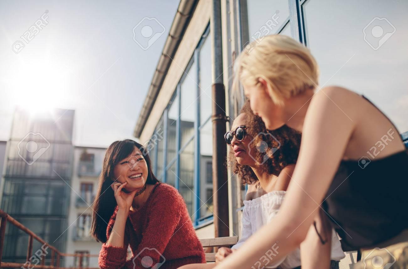 Junge frauen treffen [PUNIQRANDLINE-(au-dating-names.txt) 49