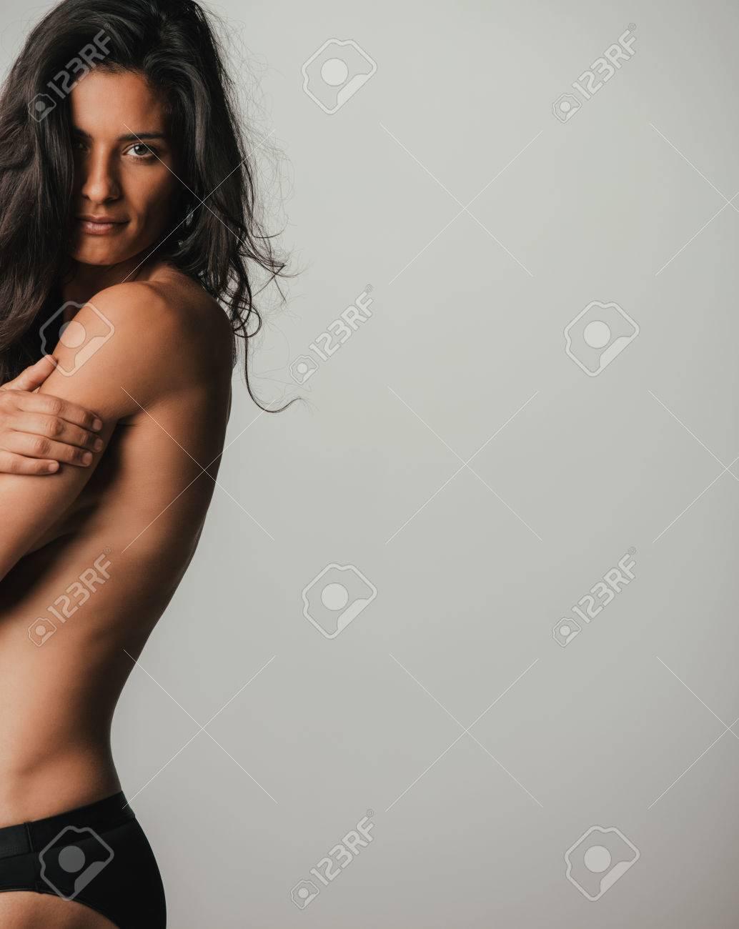 Femme toute nu celibataire [PUNIQRANDLINE-(au-dating-names.txt) 41