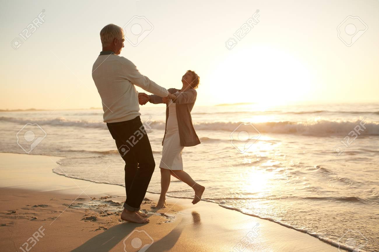 xvideo-collegesoftball-mature-couple-enjoying-movie-bossier