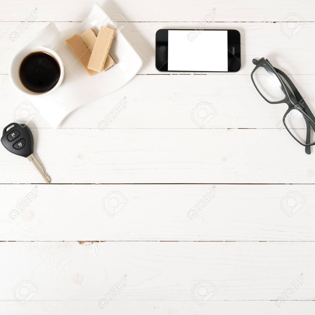 Immagini Stock Tazza Di Caffè Con Cialda Telefono Chiave Dell