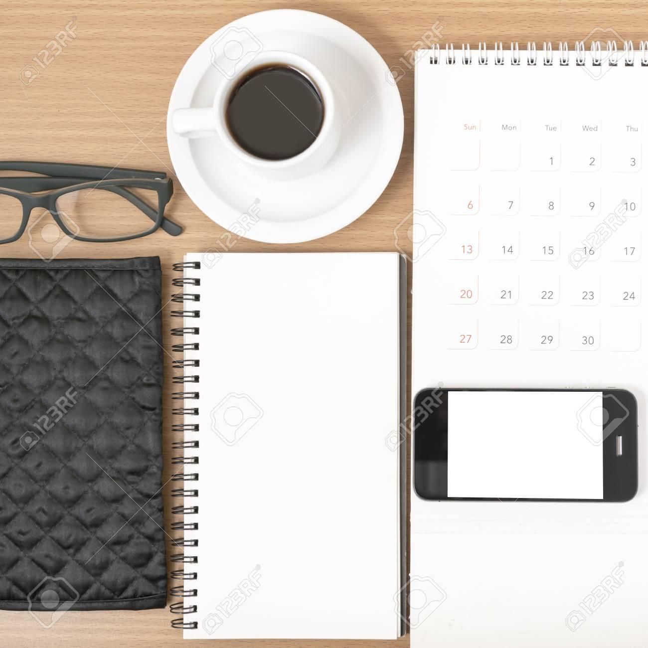 Bureau Cafe Avec Telephone Calendrier Portefeuille Bloc Notes