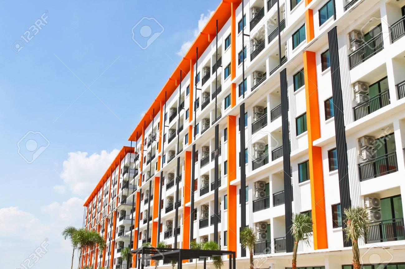 Neubau Eigentumswohnung., Moderne Apartmentkomplex Außen Lizenzfreie ...
