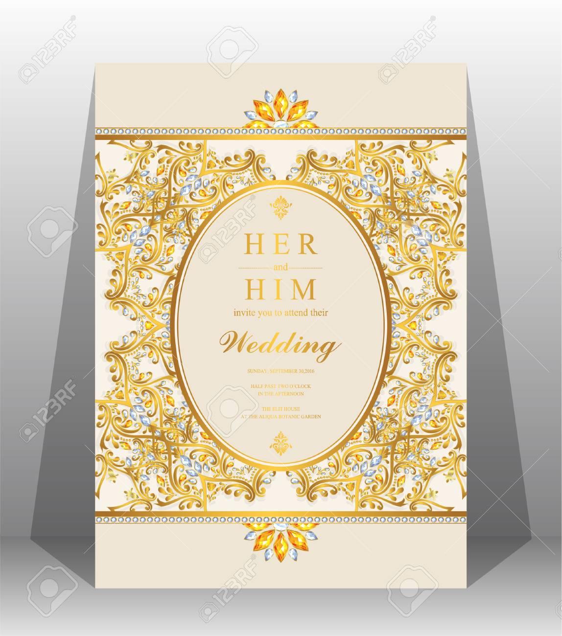 Plantillas De Tarjeta De Invitación De Boda Con Oro Con Dibujos Y Cristales En Color De Fondo