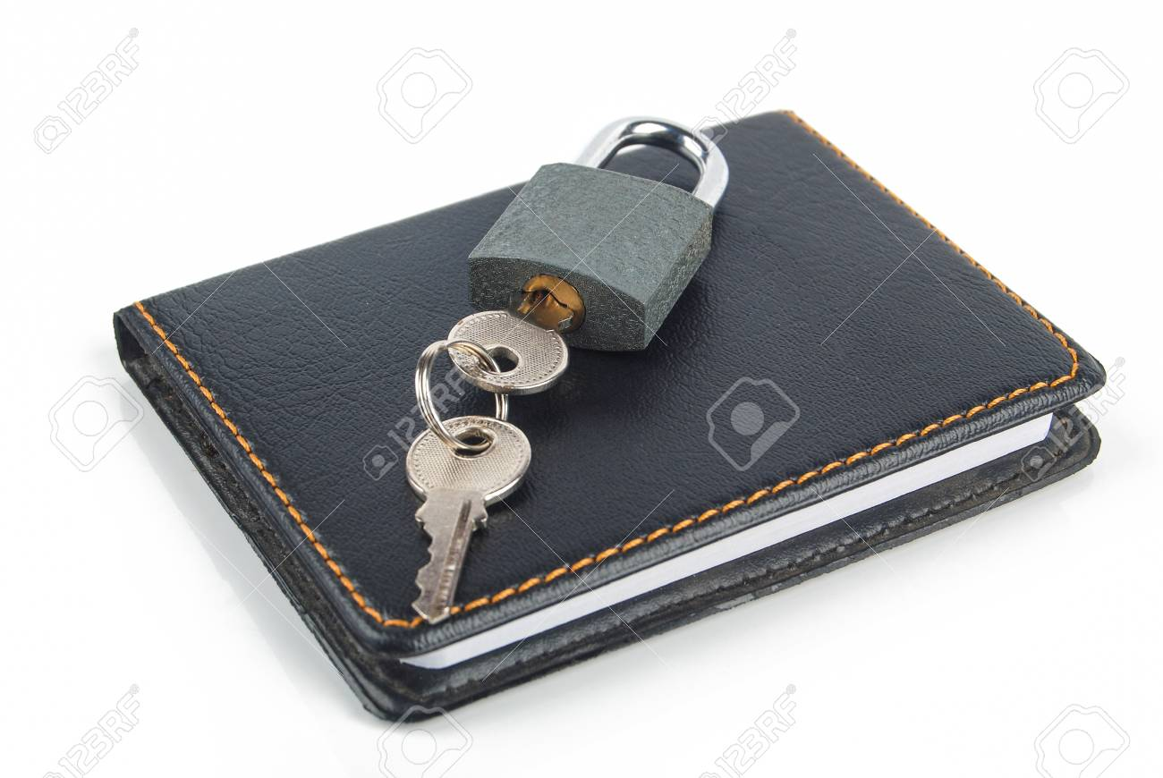 Padlock and notepad Stock Photo - 13446560