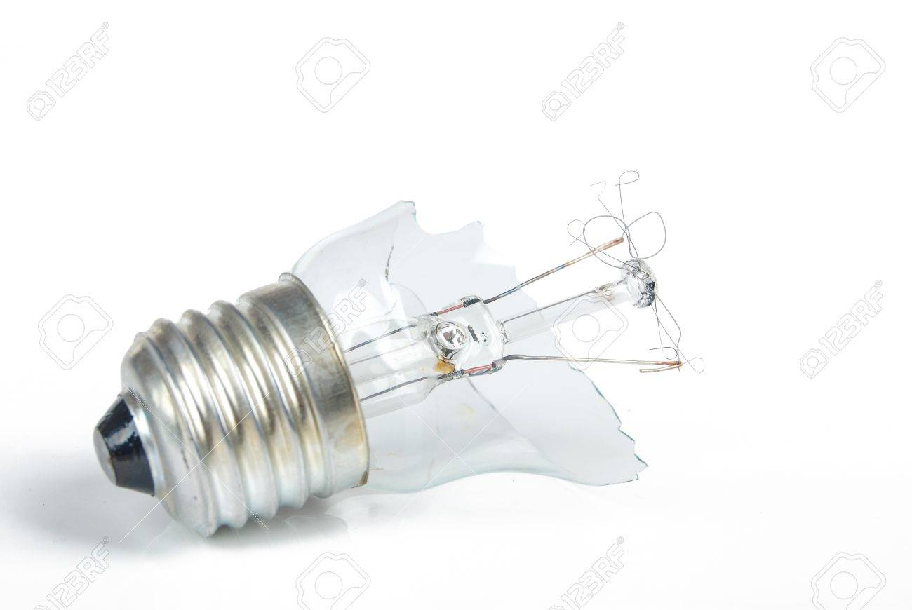 The broken light bulb Stock Photo - 13908288