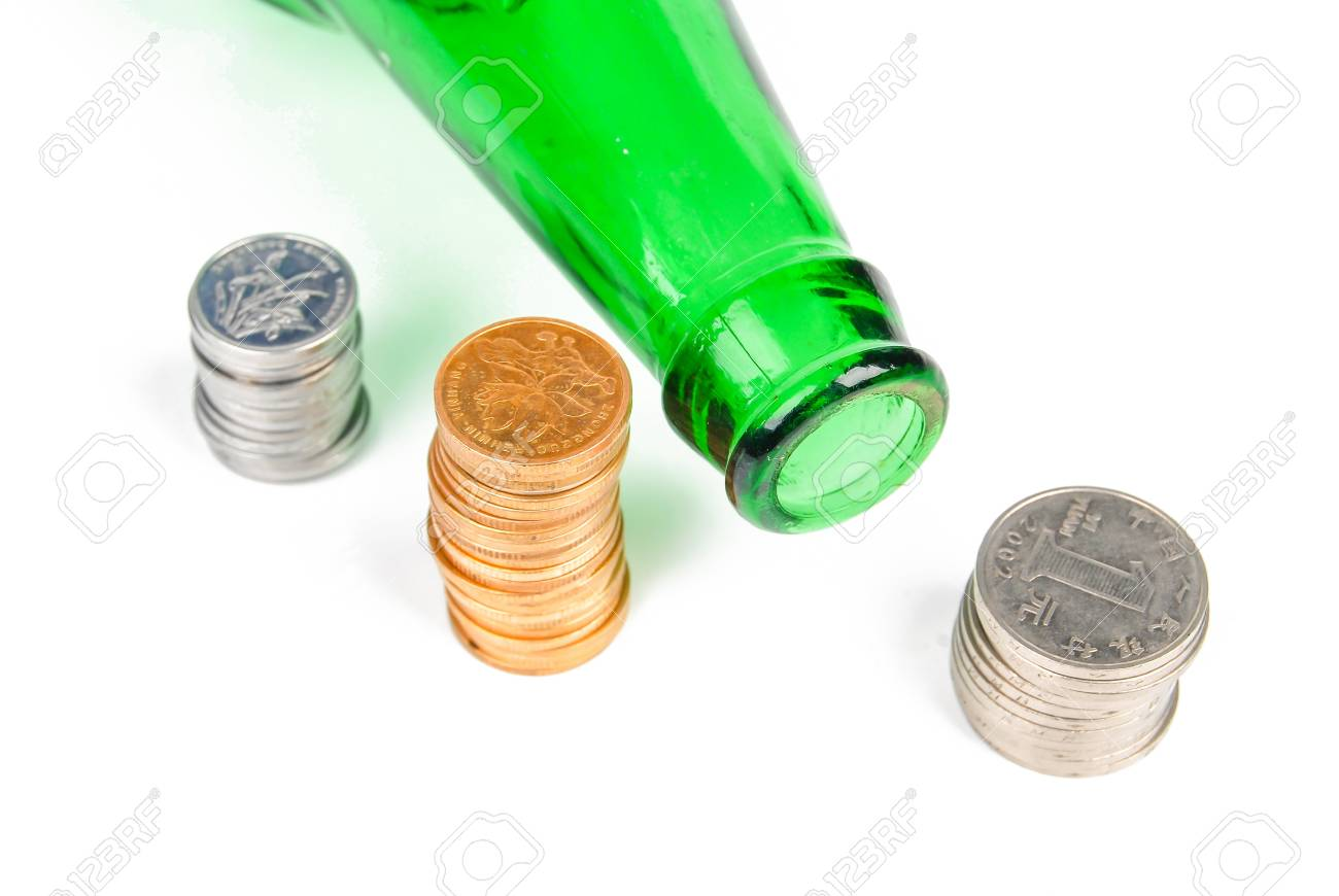 Wine and coin Stock Photo - 14313381