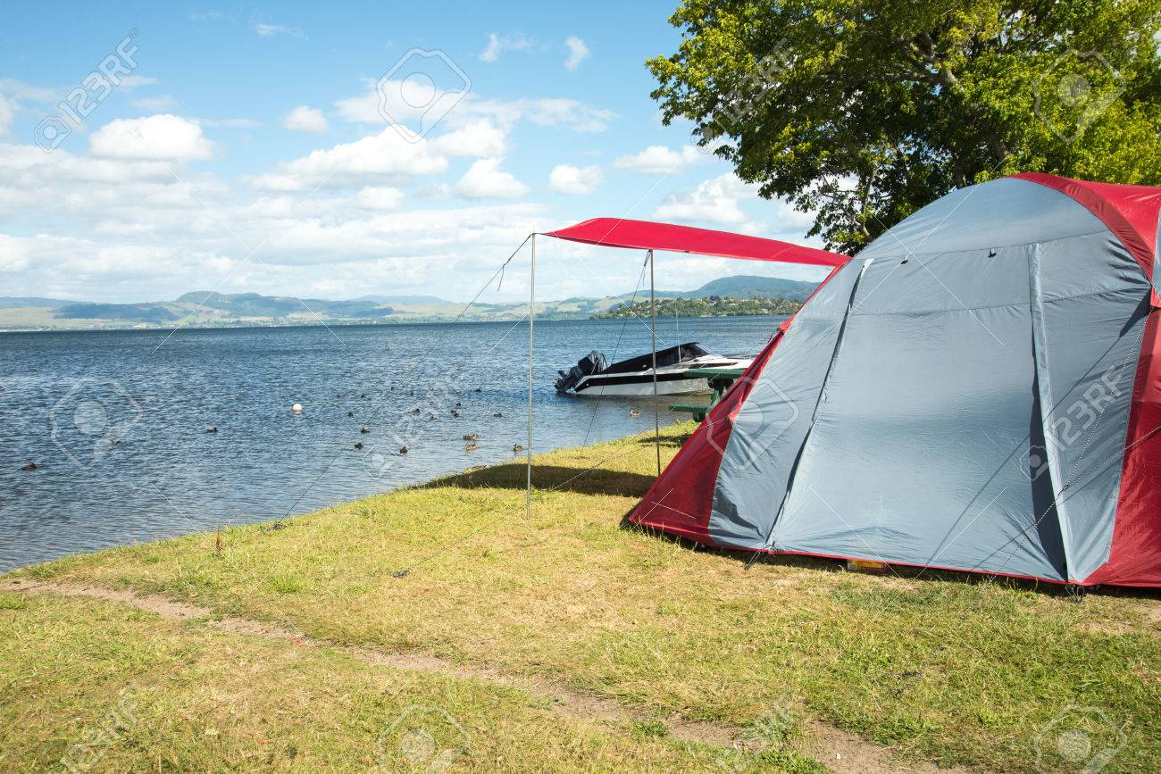 Tent on a c&ing site in front of the lake in New Zealand Stock Photo - & Tent On A Camping Site In Front Of The Lake In New Zealand Stock ...