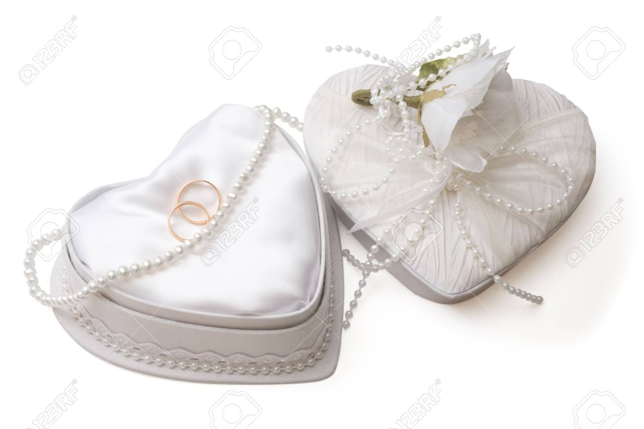 White wedding box with golden rings and pearl beads on white background, isolated, with clipping path Stock Photo - 3254409