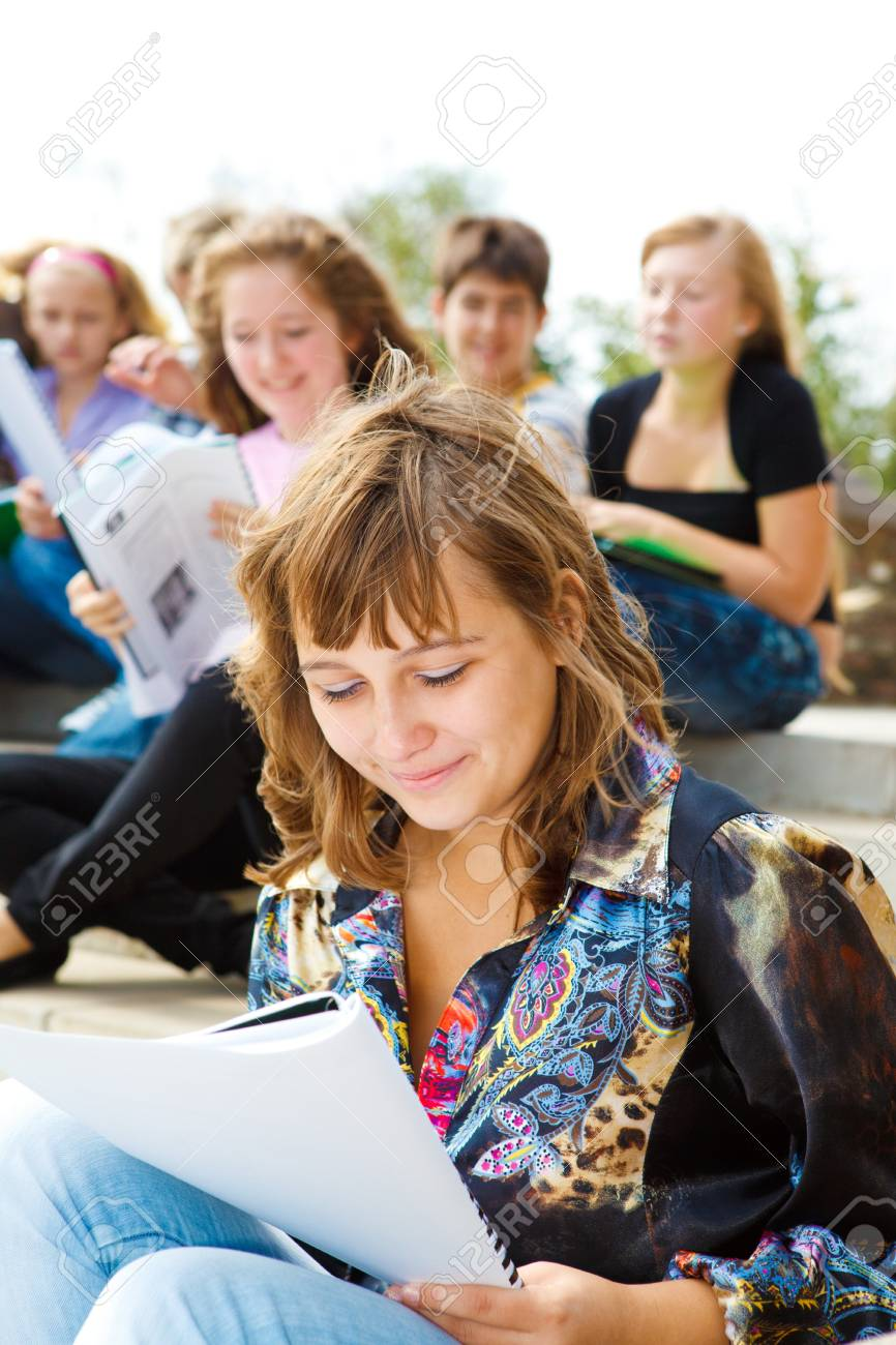 Students studying in the outdoor Stock Photo - 7801690