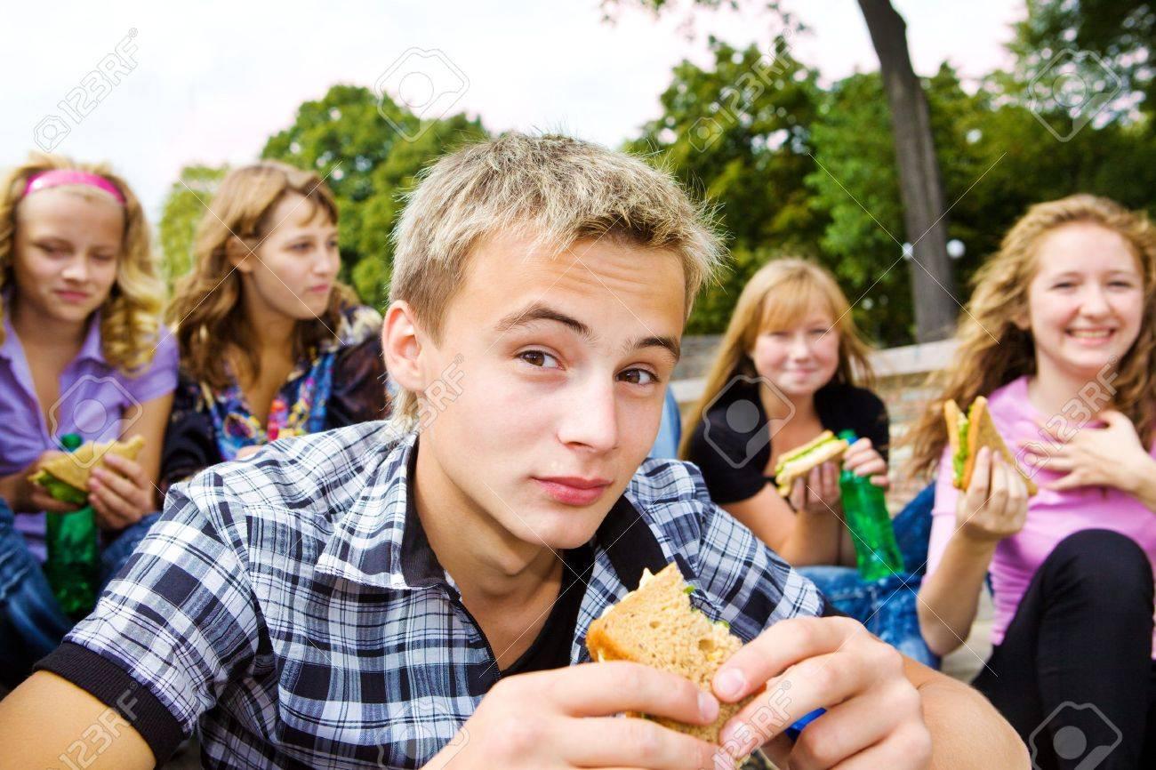 Teenager group with take-away food Stock Photo - 7872247