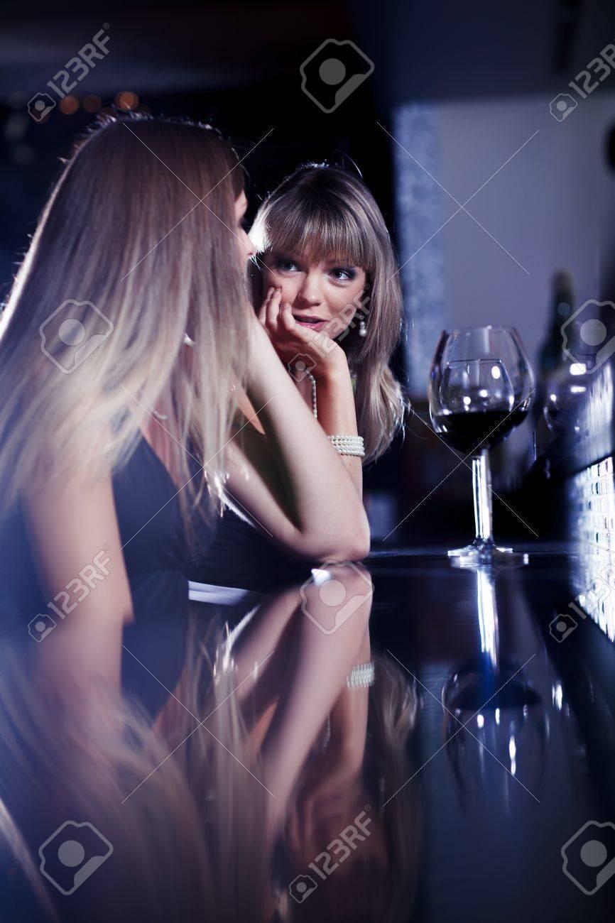 Фото девушек в барах 29 фотография