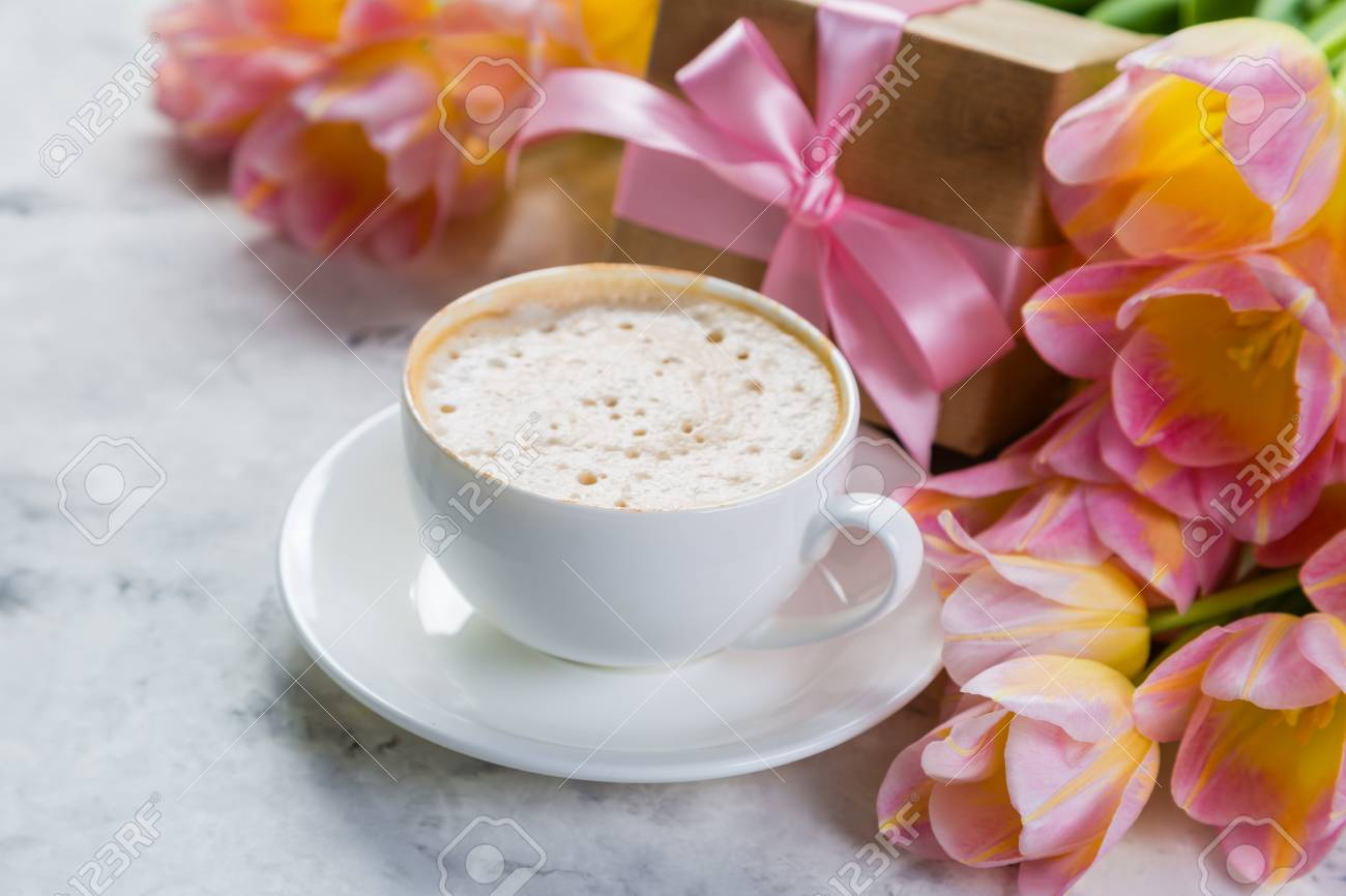 Mothers day card with coffee, present Stock Photo - 75843197