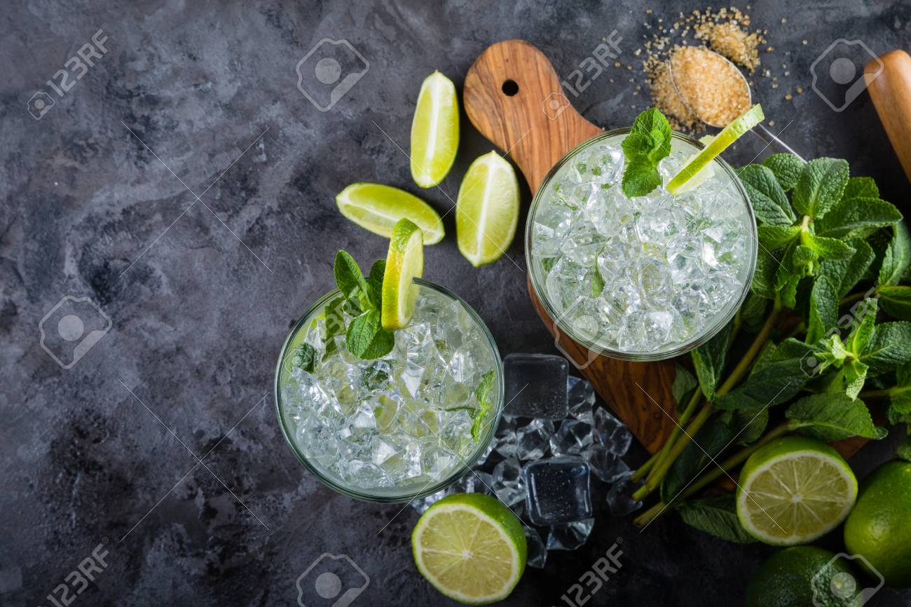 Mojito cocktail and ingredients Stock Photo - 75843204