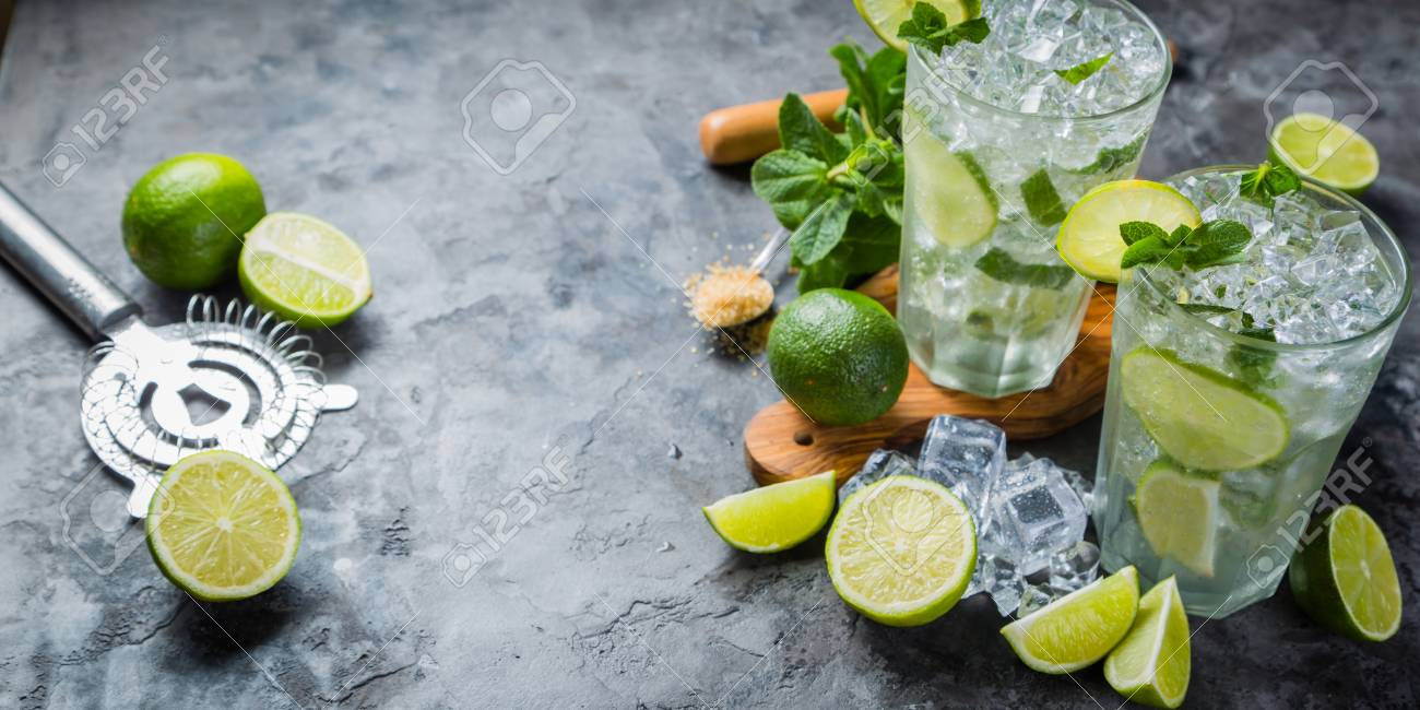 Mojito cocktail and ingredients Stock Photo - 75843207