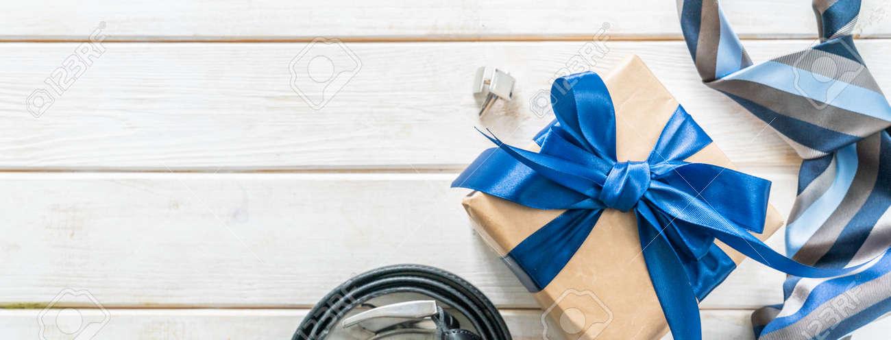 Dia dos pais concept fathers day - present, tie, belt - 164101139