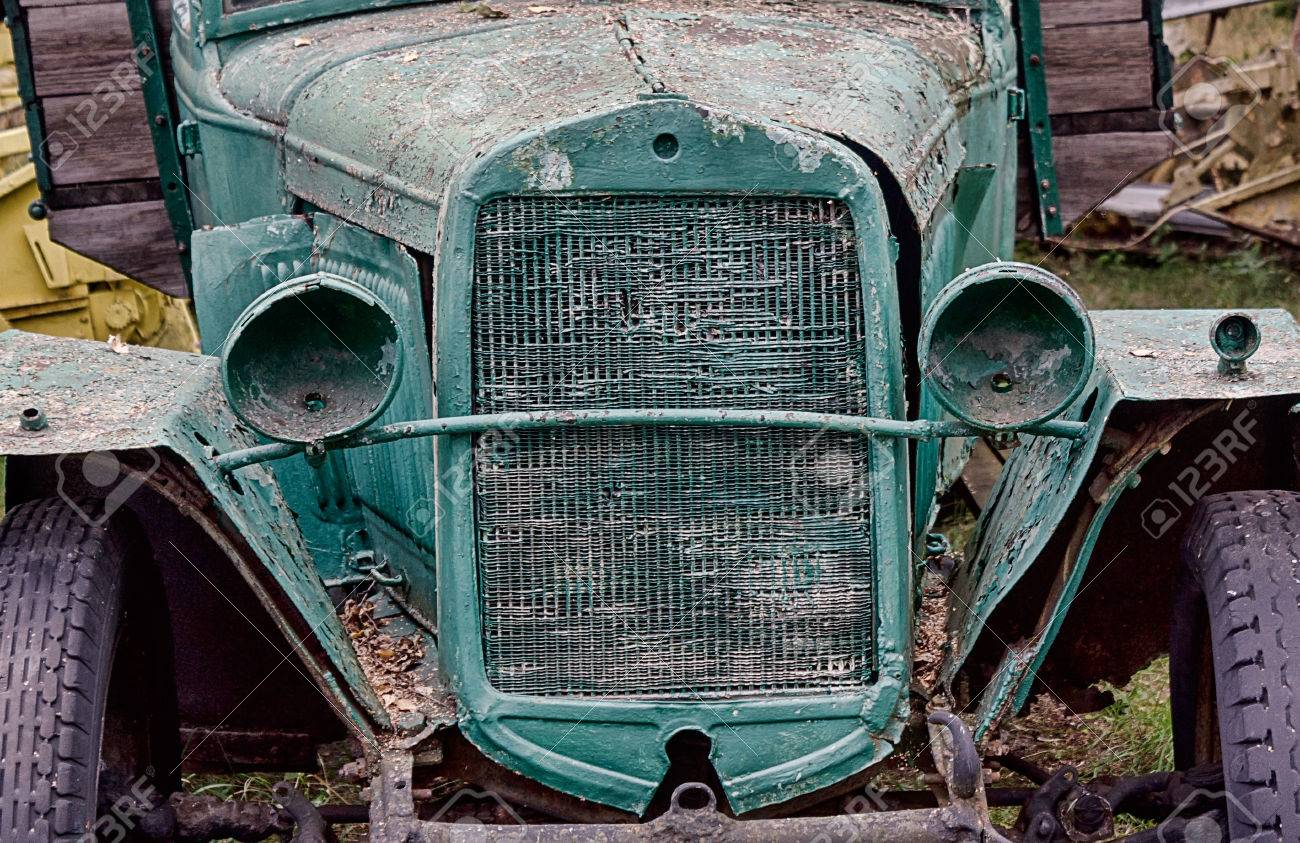 Close Up Front View Of Old Abandoned Rusted Truck With Empty.. Stock ...