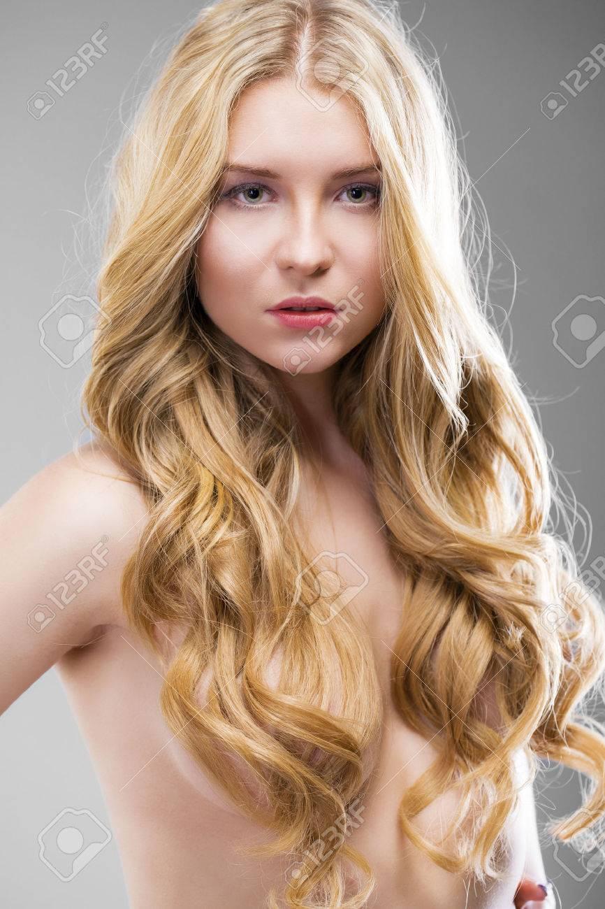 Filles blondes photos nues