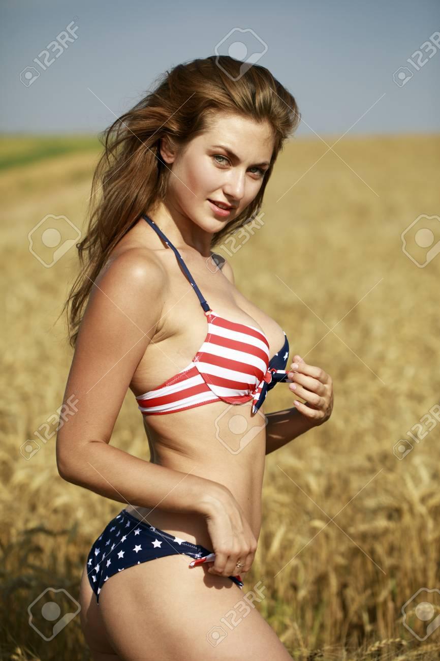 Girls nude beach pics
