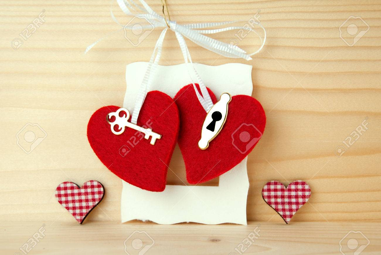 Invitation Card For Wedding Party With Two Red Hearts With Key ...