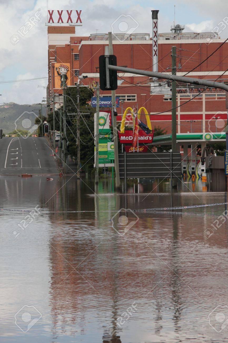 BRISBANE, AUSTRALIA - JAN 13 : Flood  Brisbane Milton brewery area Queensland declared natural disater January 13, 2011 in Brisbane, Australia  Stock Photo - 8607956