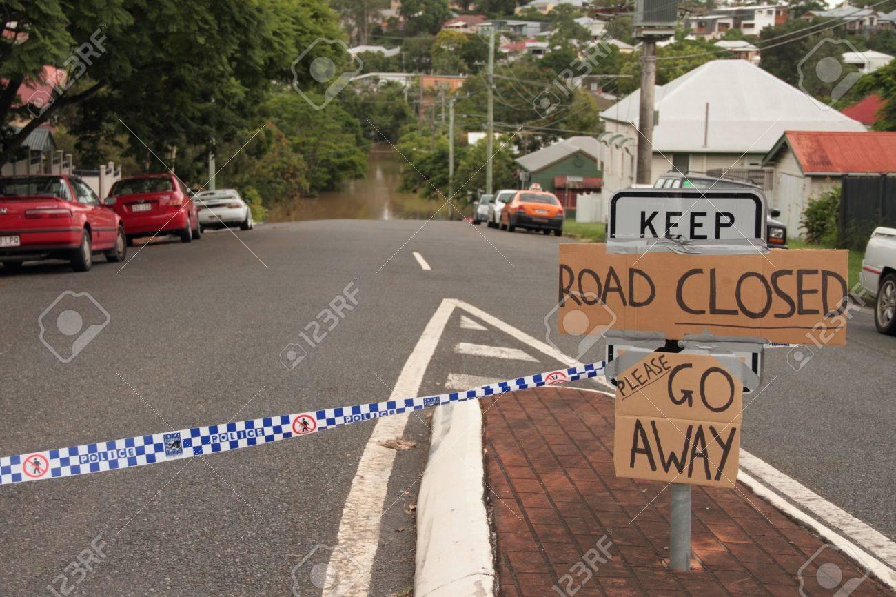 BRISBANE, AUSTRALIA - JAN 13 : Flood  Brisbane Rosalie area Queensland declared natural disater January 13, 2011 in Brisbane, Australia  Stock Photo - 8607977