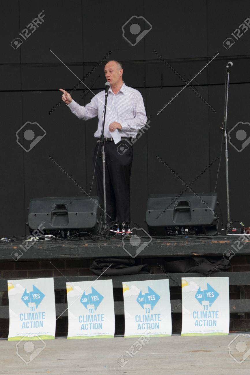 BRISBANE, AUSTRALIA - JUNE 6 : World Visions reverend Tim Costello addresses rally at say Yes protest during World environment day 6, 2011 in Brisbane, Australia  Stock Photo - 9656888